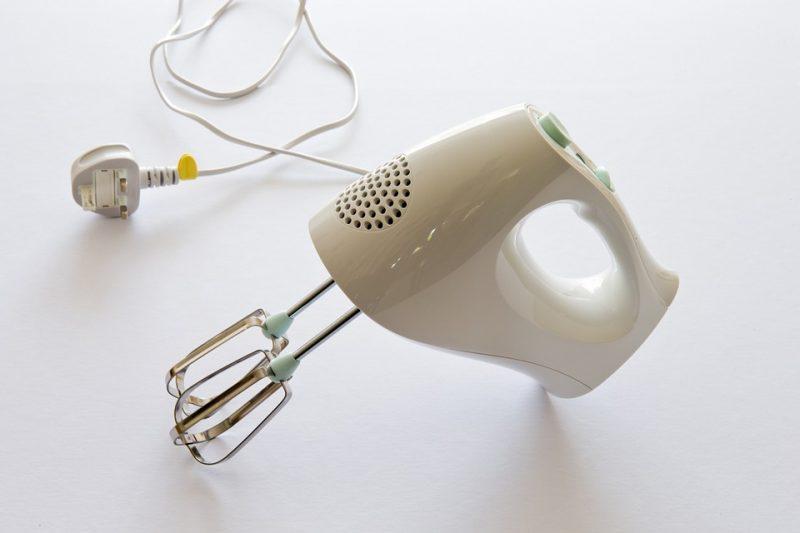 sbattitore elettrico per uova